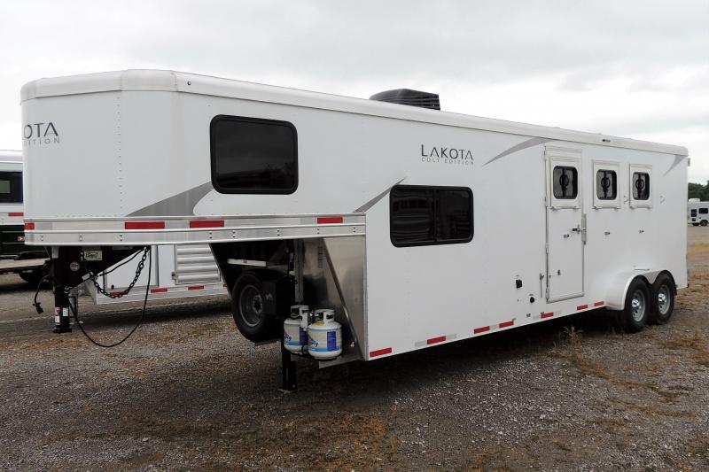 2022 Lakota Colt 309 Horse Trailer