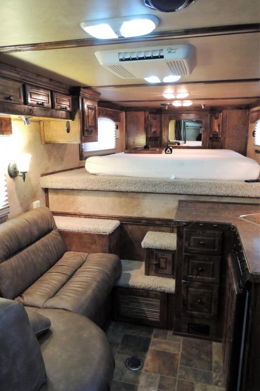 2012 Platinum Coach 8307 Outlaw LQ Horse Trailer