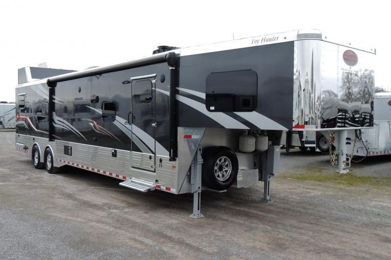 2019 Sundowner B2586GM Toy Hauler
