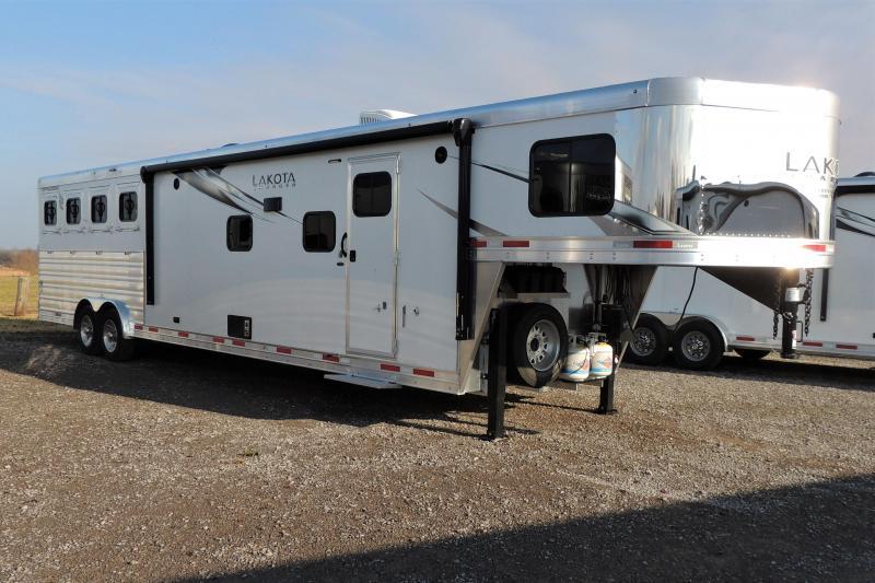 2021 Lakota Charger 8415SR Horse Trailer