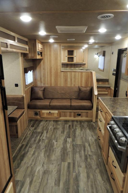 2021 Lakota Charger 8415SR Horse Trailer