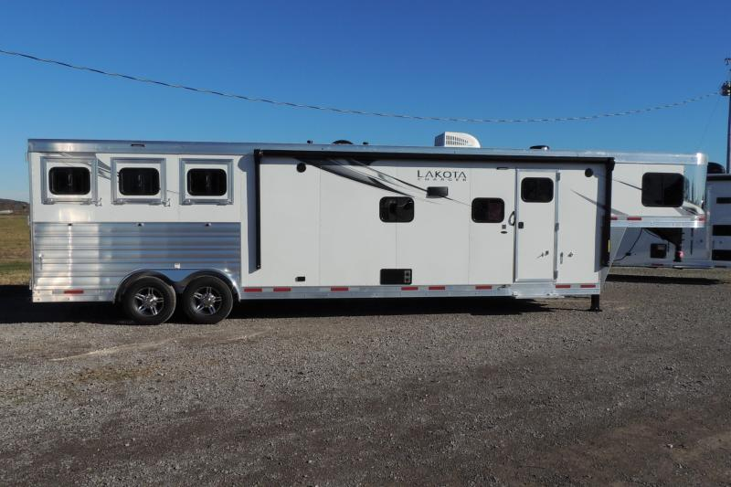 2021 Lakota Charger 8315SR Horse Trailer