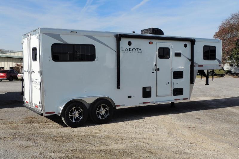 2021 Lakota Colt 207 Horse Trailer