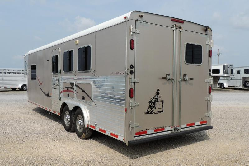 2010 Hoosier Maverick 8310 Horse Trailer