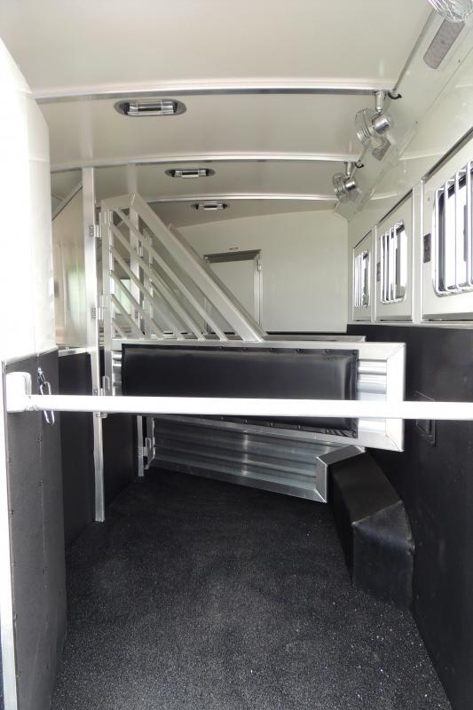 2021 Cimarron 8314 Slide w/ Outback Customs 3 Horse Trailer
