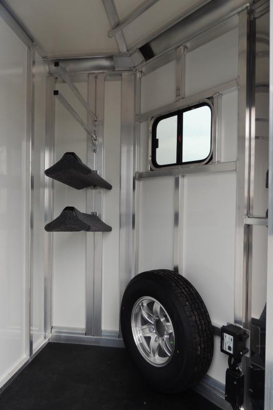 2021 Cimarron XL Stalls Straightload Horse Trailer