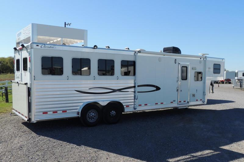 2007 Cherokee 8410 Living Quarters Horse Trailer