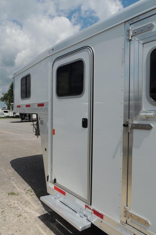 2020 Exiss 7400 Gooseneck Horse Trailer