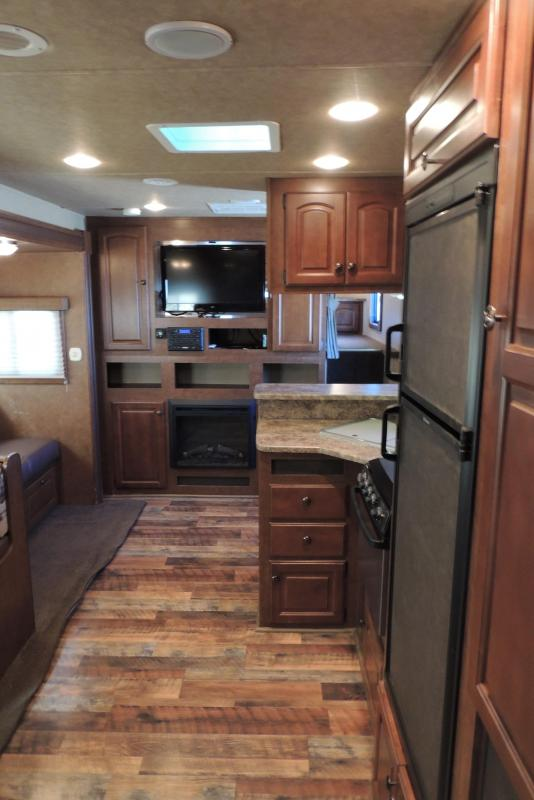 2013 Bison Traveler 8316 Super Slide Horse Trailer