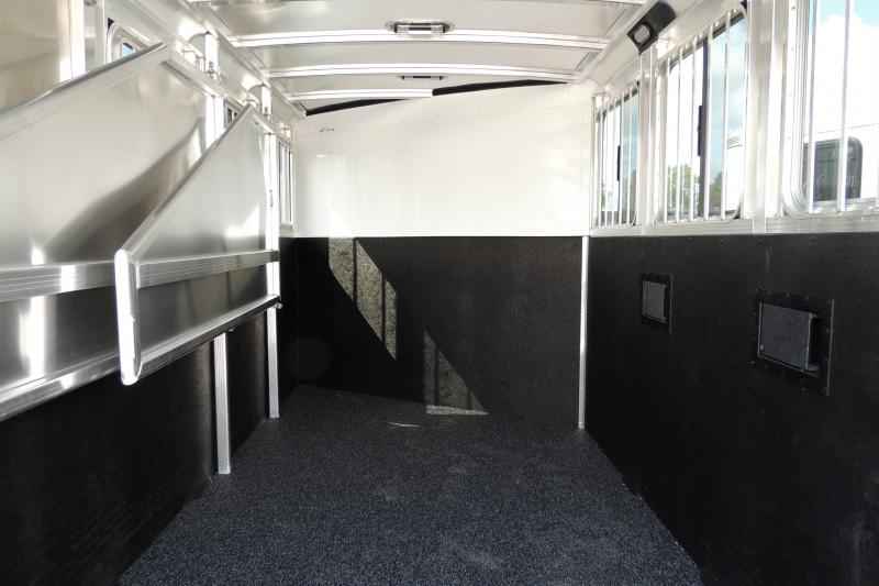 2022 Exiss XT Series 3 Horse Trailer