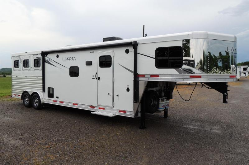 2021 Lakota Charger 8312 Slide Horse Trailer