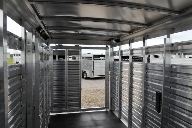 2022 Exiss STC 6820 Livestock Trailer