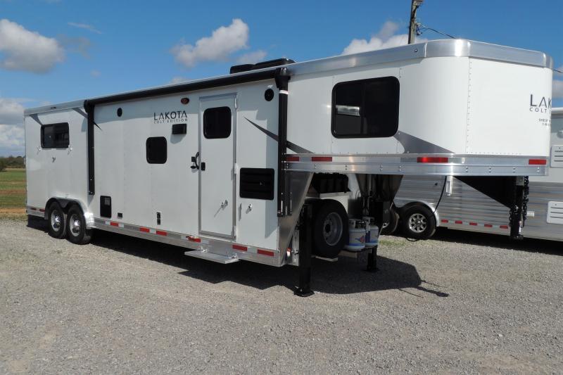 2022 Lakota Colt 8311 Slideout Horse Trailer