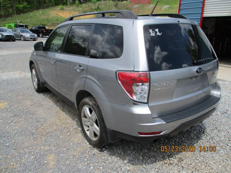 2010 Subaru FORESTER X PREMIUM SUV