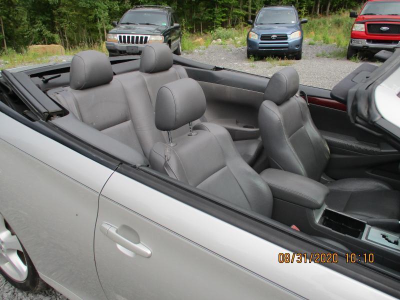 2005 Toyota CAMRY SOLARA SLE Car
