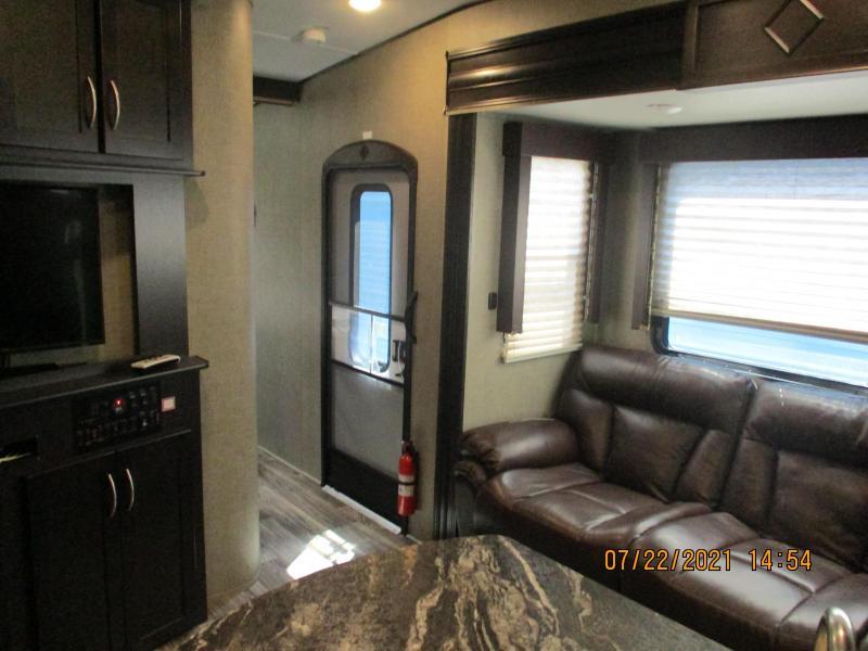2015 Keystone RV Carbon M-33 SERIES TOY HAULER Campers RV