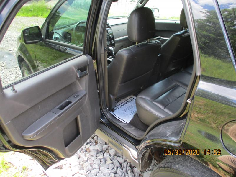 2010 Ford ESCAPE LIMITED SUV