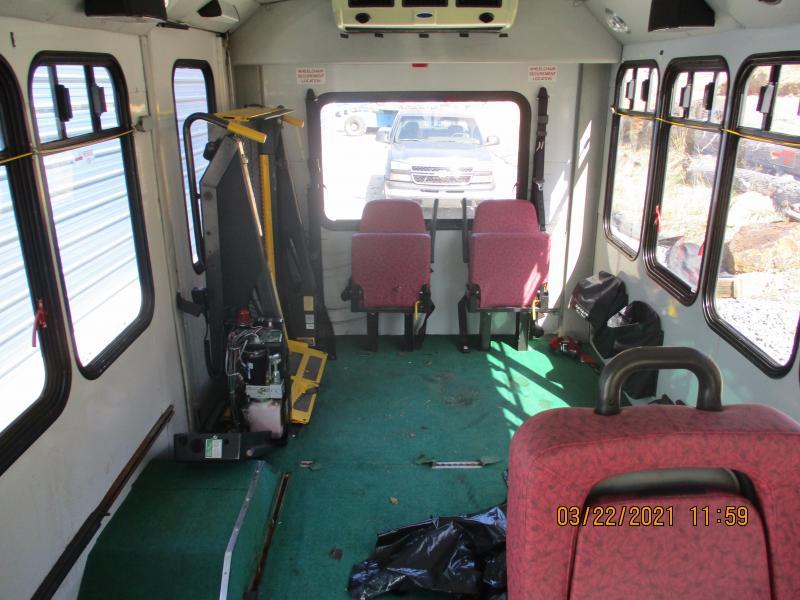 2006 Ford E350 Econoline Bus Van