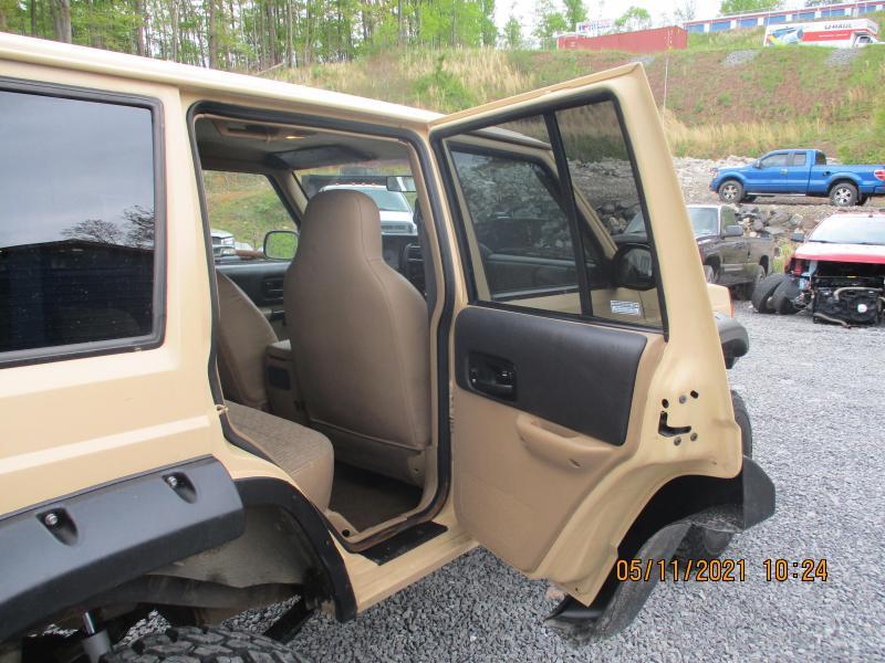 1999 Jeep CHEROKEE SPORT SUV