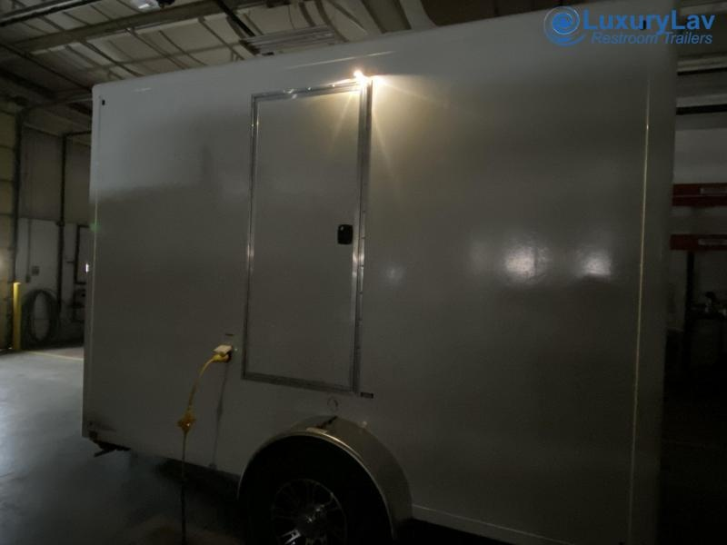 102 A OI Restroom Trailer
