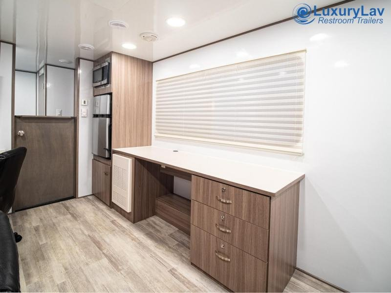 Specialty Office Trailer 24' RE