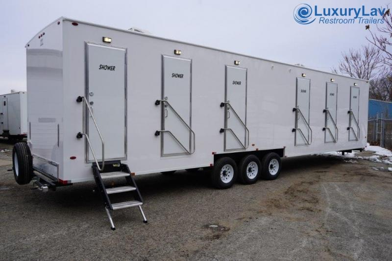 106 LuxuryLav BT 6 Stall Combo Restroom / Shower Trailer