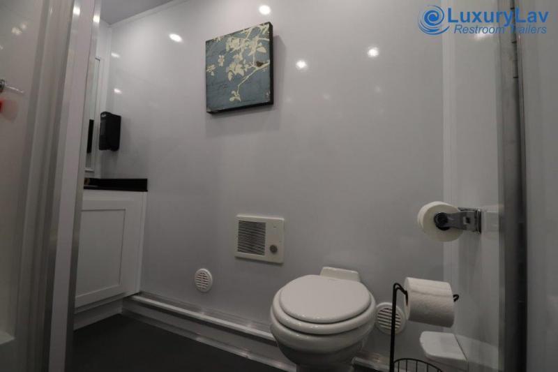 106 LuxuryLav BT 6 Stall Combo Restroom / Shower Trailer