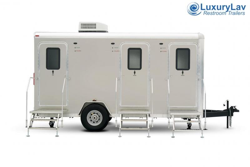 103 LuxuryLav 3 Stall Combo