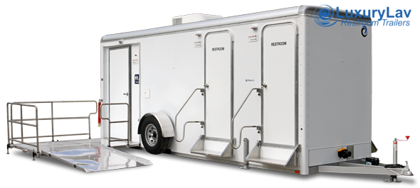 105 LuxuryLav WC ADA+4-  5-Stall Restroom Trailer