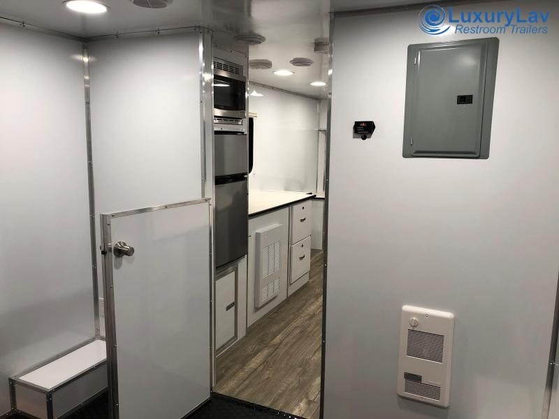 Specialty Office Trailer 26' RE