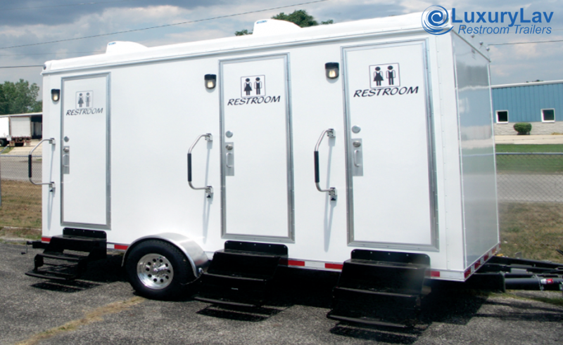 103 B LuxuryLav BT 3 Stall Restroom Trailer