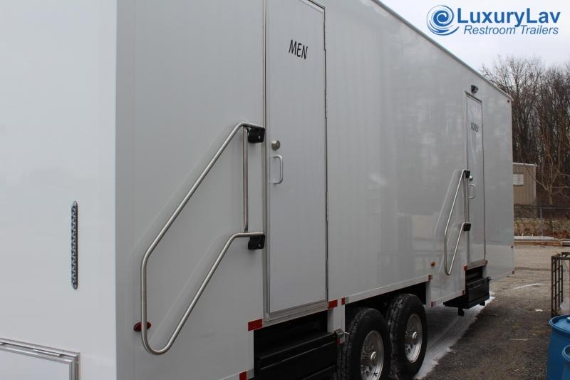 108 A LuxuryLav BT Opt 8 Stall Public ShowerTrailer