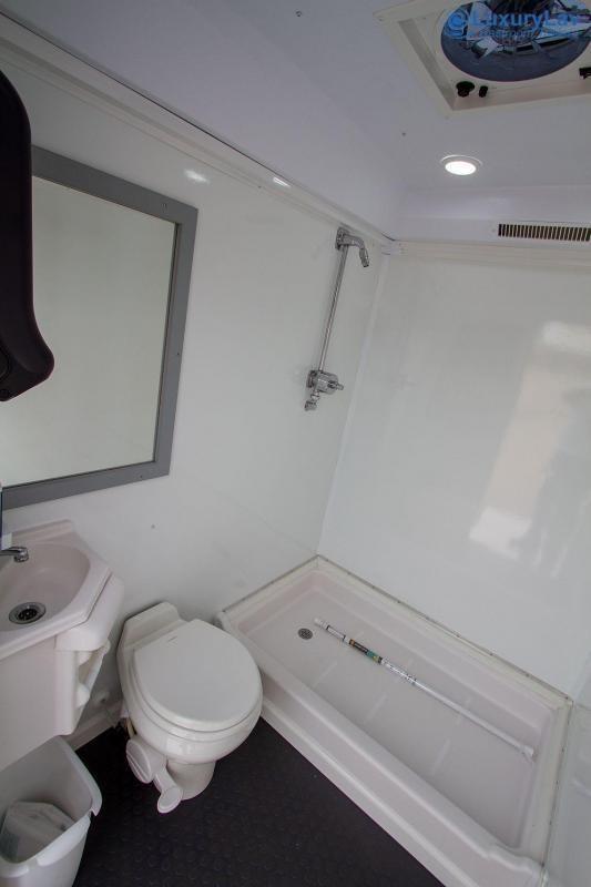 103 LuxuryLav WC 3 Stall Combo