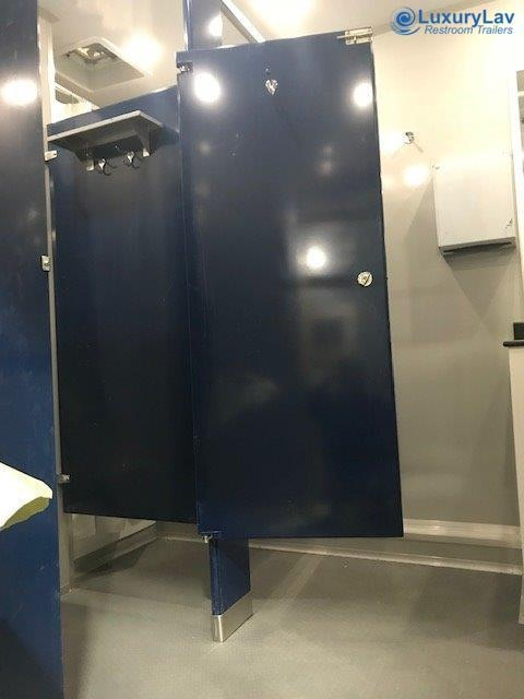 Wide Body Shower LuxuryLav 28' 8 Stall Shower