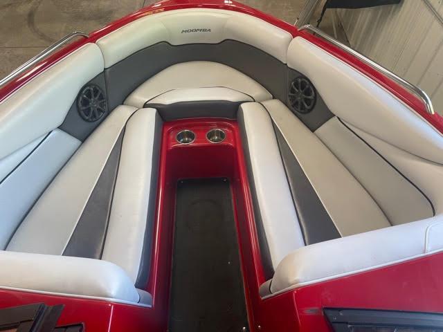 2013 Moomba Mobius LSV 22 Surf Boat
