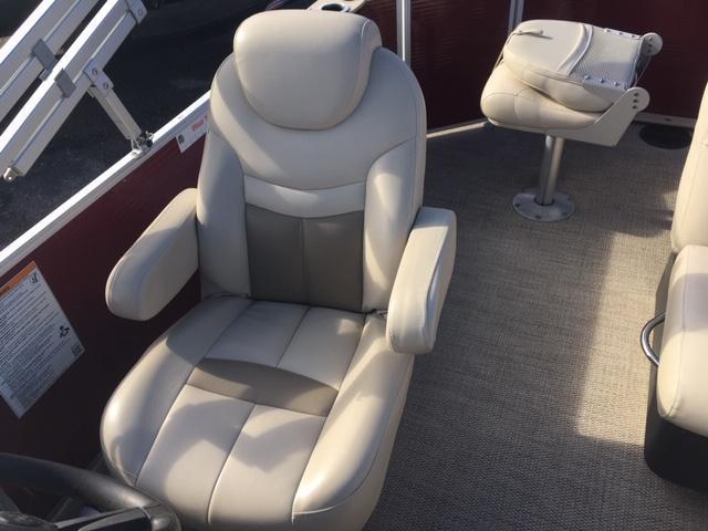 2017 Sweetwater 2286 FS TRI-TOON Pontoon Boat