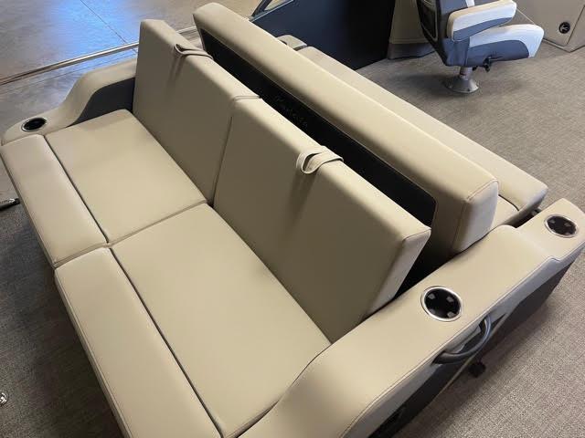 2022 Barletta Cabrio C22UC Pontoon Boat