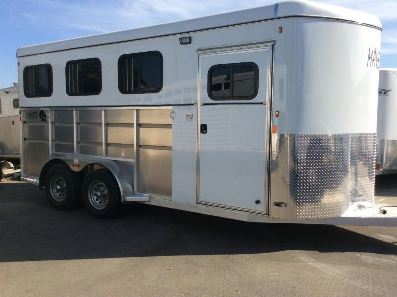 2021 Maverick LITE DELUXE Horse Trailer Warmblood