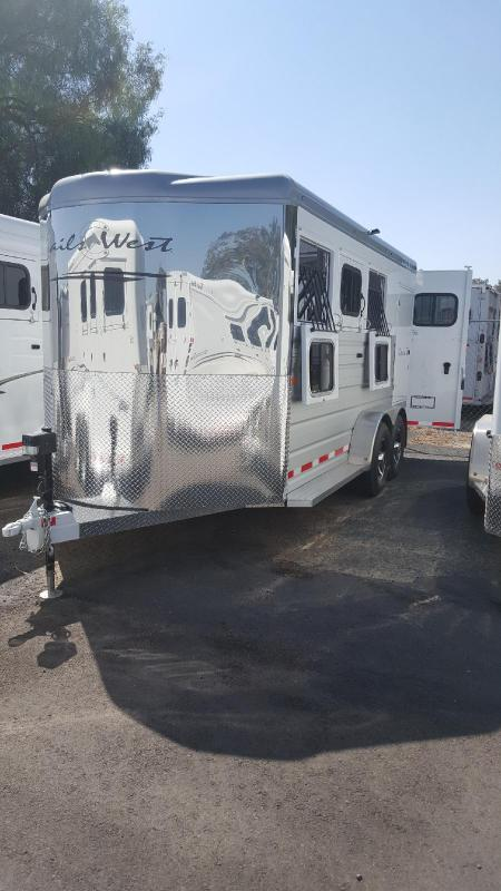 2021 Trails West SEIRRA II    3 Horse Trailer