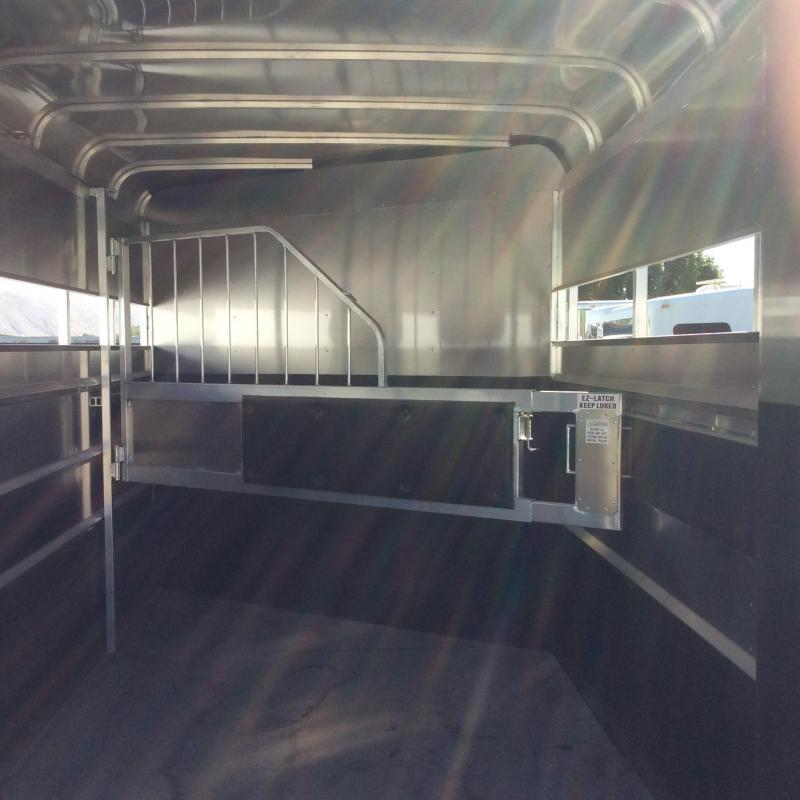 2021 Maverick Lite Warmblood 2 Horse Trailer