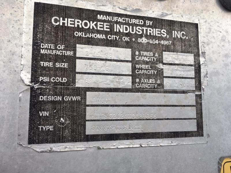 1998 Cherokee Gooseneck Livestock Trailer