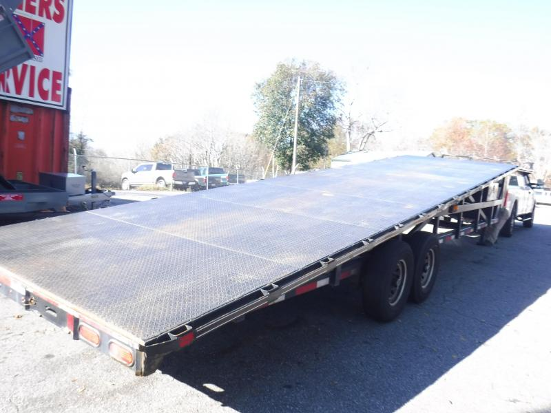 2016 Diamond C Trailers 35MVCL40X102 Equipment Trailer