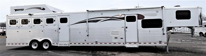 2007 Twister 8416 w/Midtack & Generator Horse Trailer