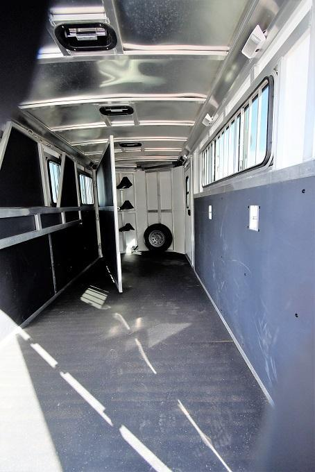 2014 Shadow Trailers Select 3-Horse Horse Trailer