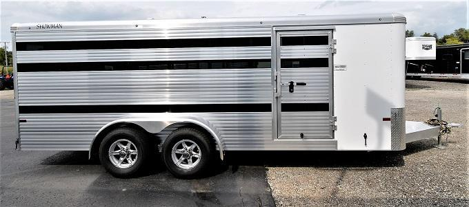 2021 Sundowner Trailers Showman 8-Pen Low Pro Livestock Trailer