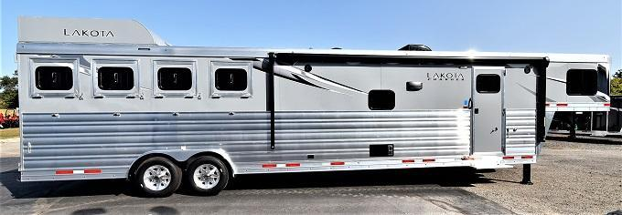 2021 Lakota 8415 Charger Riser Wall Sofa Horse Trailer