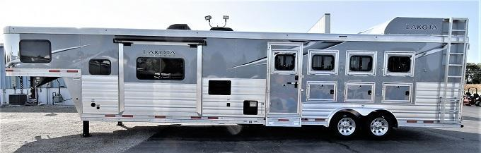 2021 Lakota 8415 Charger Riser Wall Sofa Horse Trailer