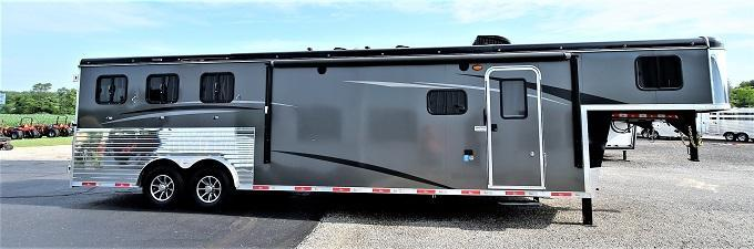 2019 Bison Trailers 8313 Bar Galley Ranger Horse Trailer
