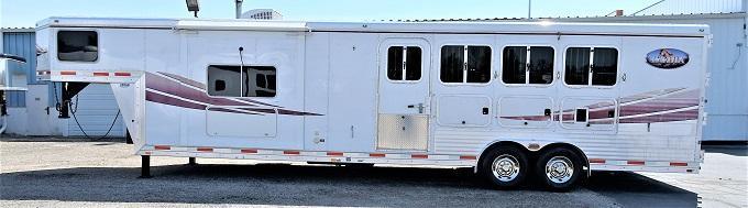 2010 Lakota 8413 Charger Horse Trailer