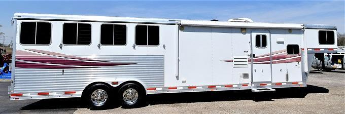2010 Lakota 8413 Charger Horse Trailer